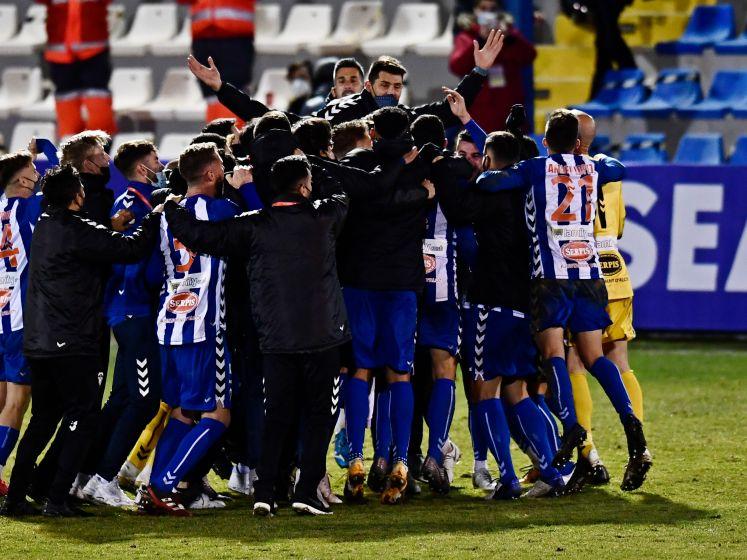 Alcoyano (derde niveau) knikkert Real uit Copa del Rey met stunt op knollenveld