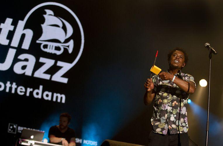 De Nederlandse rapper Typhoon (Glenn de Randamie) treedt op tijdens de 40ste editie van het North Sea Jazz Festival in Ahoy. Beeld anp