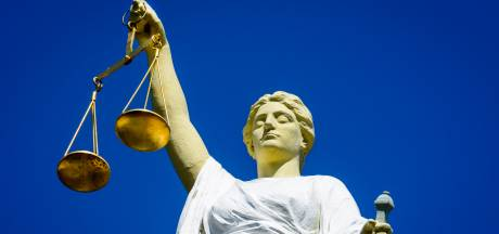 OM eist celstraf tegen vrouw (23) voor drugs dealen bij station en sportschool Gouda