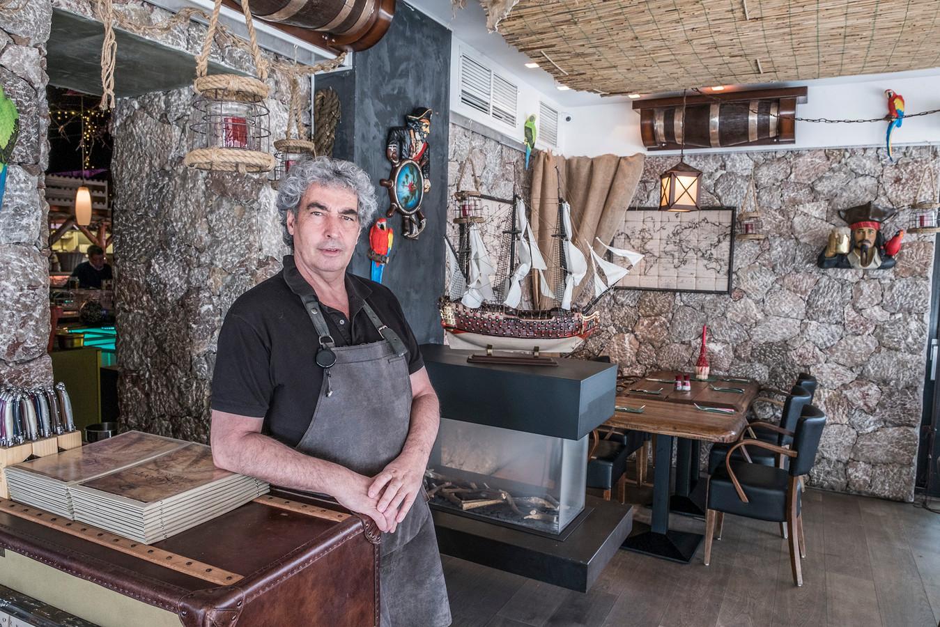 Steakhouse 't Galjoen zit tijdelijk in de serre van De 10 op het Kerkplein in Malden. Ook een zaak van Teodoro Musumeci.