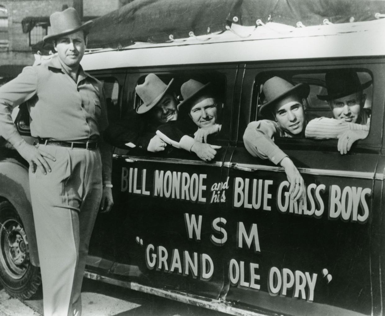 Bill Monroe and His Blue Grass Boys, Lester Flatt and Earl Scruggs (center), c.1946. Beeld vrt