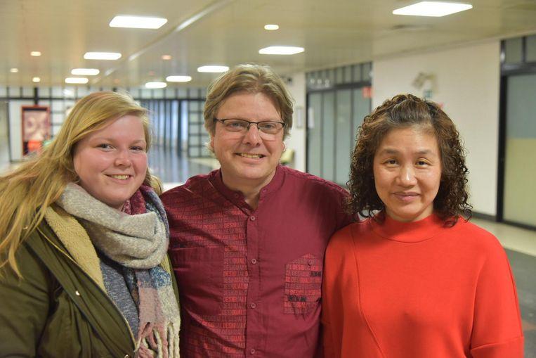 Johan Smets, samen met dochter Laura en echtgenote Hua.