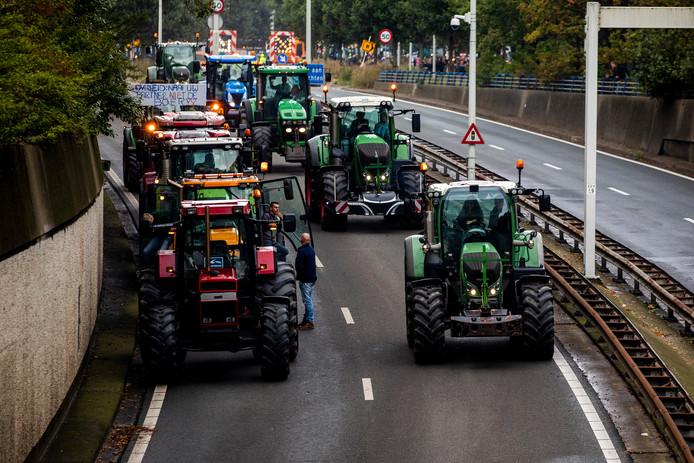 Boeren vertrekken vanaf het Malieveld in Den Haag na de grote demonstratie #Agractie. Foto ter illustratie.