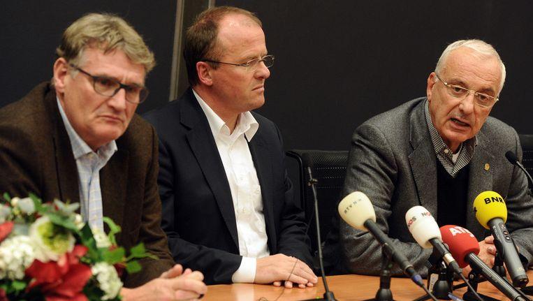 Arie van Eijden, Rob Been en Uri Coronel (vlnr) na afloop van de Ajax ledenvergadering. © ANP Beeld