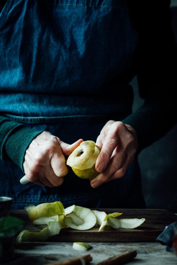 De winnende stoofperen van Lucie Beck. © Lucie Beck / Pink Lady® Food Photographer of the Year