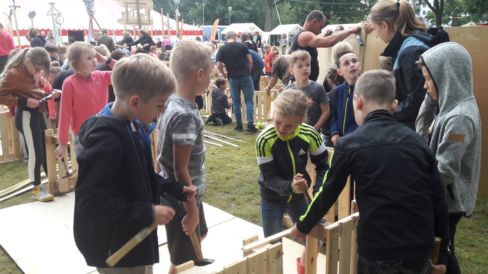 Kindervakantieweek KAKO in Oss: hutten bouwen.