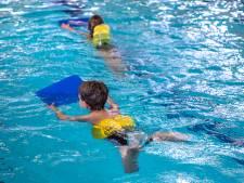 Coalitiepartijen over bezuinigingen: 'Wij zijn blij dat nieuwe zwembad er gewoon komt'