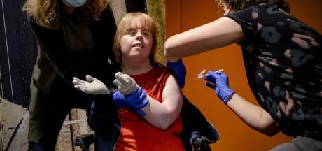 Twente mag eerst van RIVM: Ouderen en gehandicapten krijgen vanaf maandag vaccinatie