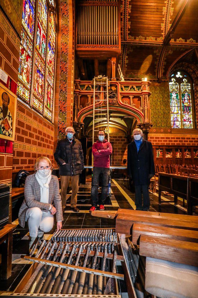 Het orgel in de Heilig Bloedbasiliek ondergaat een restauratie.