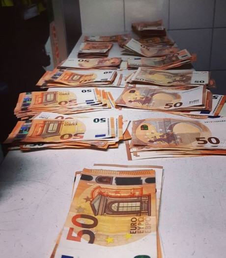 Verdachte met 12.000 euro cash op zak aangehouden na achtervolging