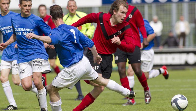 Ook Lútzen Brink (rechts) wist tegen Gemert niet te scoren. AFC bleef steken op 0-0. Een spectaculaire 0-0, dat wel. Foto marcel israel Beeld