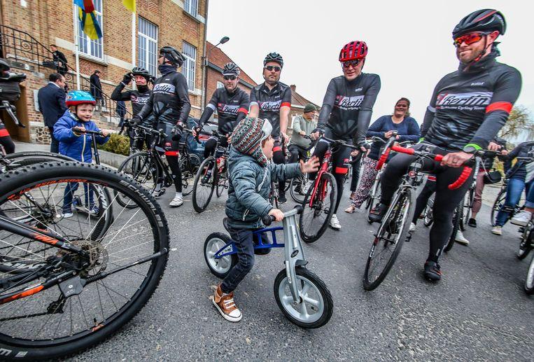 Ook hele jonge renners sprongen op de fiets voor de opening van de vernieuwde wielerroute Gent-Wevelgem in Flanders Fields.