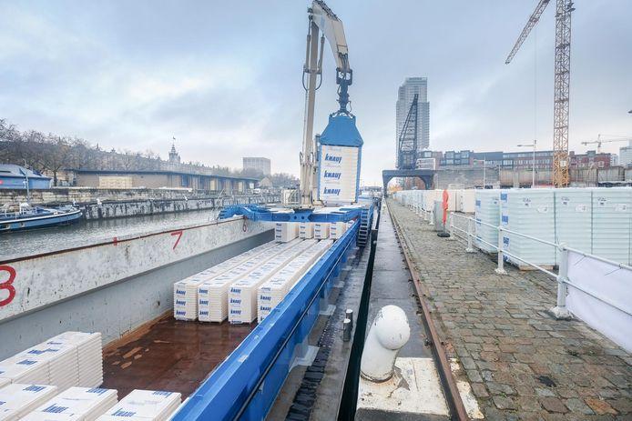 Knauf testte het ecologische project gisteren op de Akenkaai.