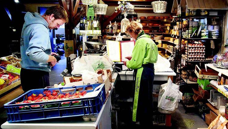 Boerderijwinkel in Zevenhoven. De leden van Goei Eete in Tilburg hoeven niet meer de boer op. Zij gaan hun bestellingen doen op een website. FOTO © WERRY CRONE Beeld