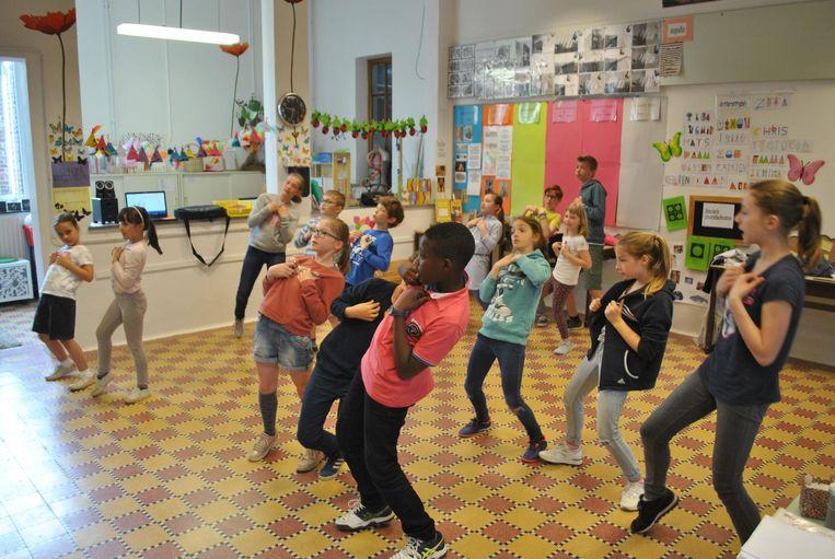 De leerlingen blijven oefenen tot de voorstelling op 9 juni.