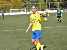 SC Veluwezoom wint na goal en assist van Joey van Beukering van Sprinkhanen