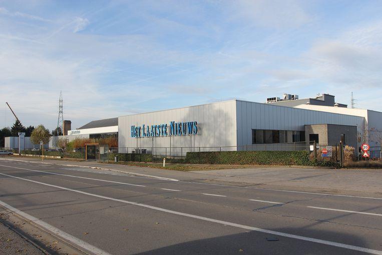 Een archiefbeeld uit 2012: de oude drukkerij langs de Brusselsesteenweg, net voor de afbraak.