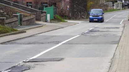 Na klachten van gefrustreerde bestuurders: Gooik laat verhakkelde betonstroken herstellen