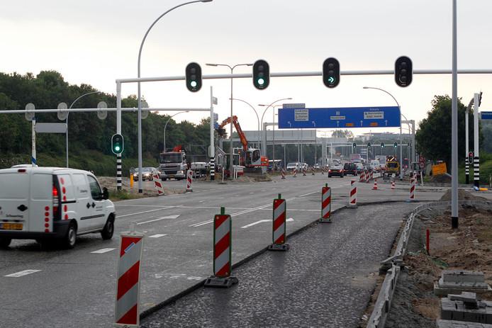 In 2010 werd er ook langdurig gewerkt aan de IJsselallee. Toen kwamen er onder meer grote verkeersborden boven de weg.