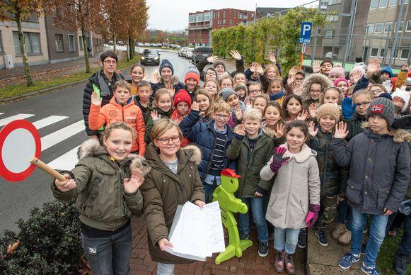Donderdag voerden leerlingen van de KBO-school aan de Smallendam nog actie voor een betere verkeersveiligheid.