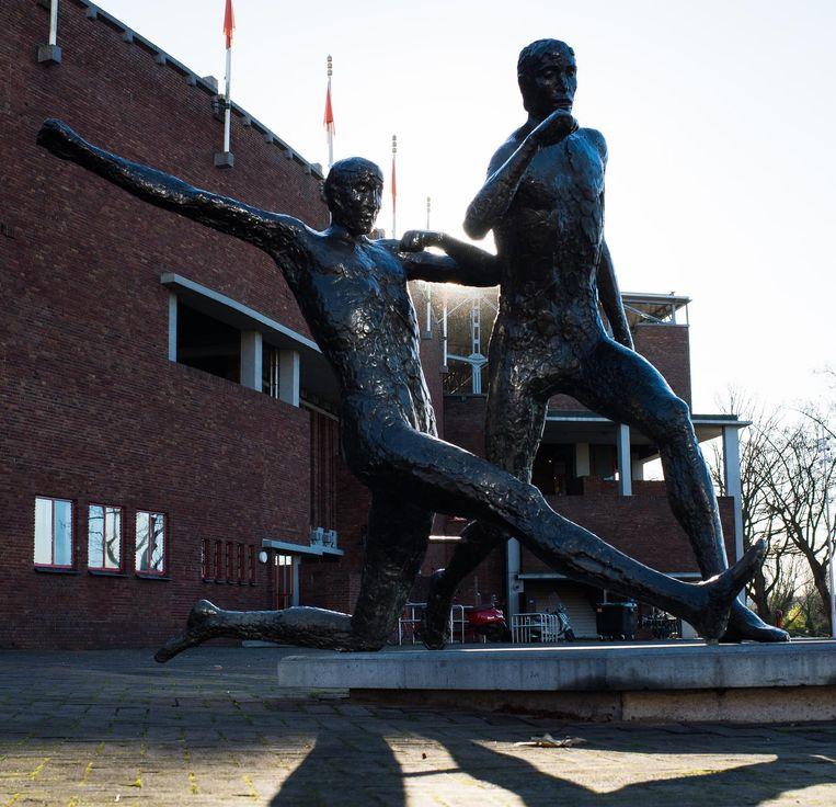 Johan Cruyff standbeeld Beeld Mats van Soolingen