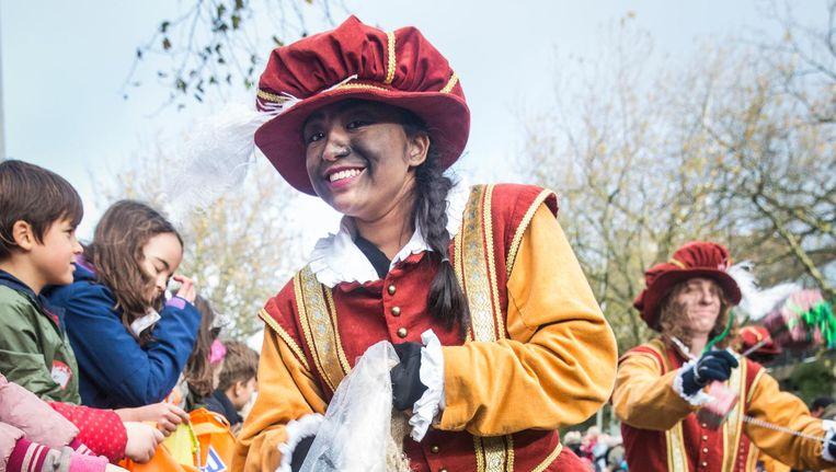 De vernieuwde Amsterdamse Piet moet het racistische karakter van zijn voorganger uitwissen Beeld Dingena Mol