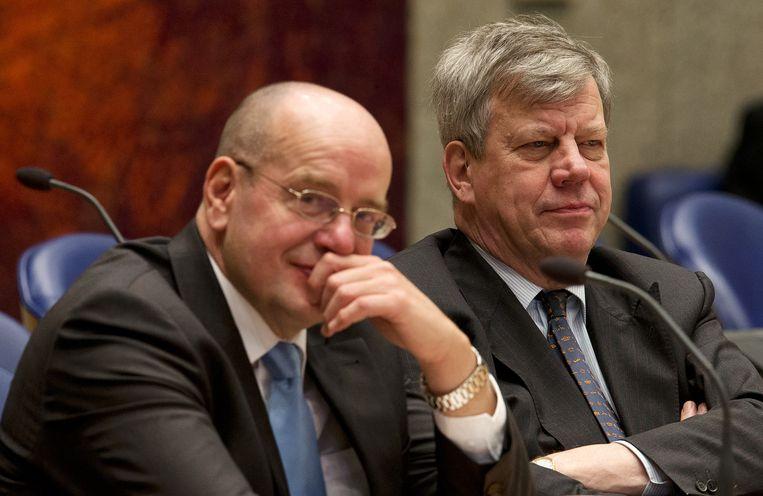 Ivo Opstelten (R) Fred Teeven in 2012 tijdens het debat in de Tweede Kamer over de begroting van Veiligheid en Justitie. Beeld anp