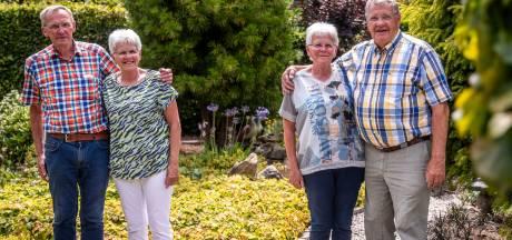 Eeneiige tweeling trouwde 50 jaar geleden op dezelfde dag