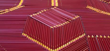 De adembenemende werken van We Make Carpets gebundeld