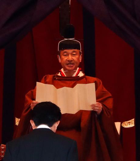 Japanse keizer Naruhito aanvaardt troon