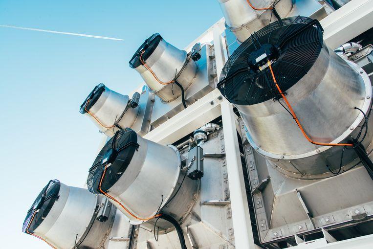 Een CO2-afvangfabriek van Climeworks.  Beeld Climeworks / Julia Dunlop