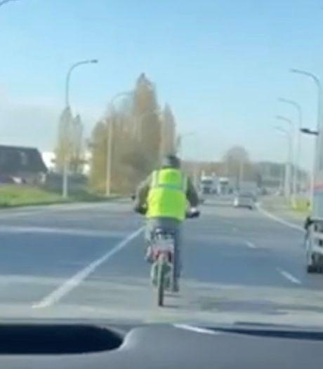 Man rijdt 87 kilometer per uur met fiets op Rijksweg, maar wordt niet beboet