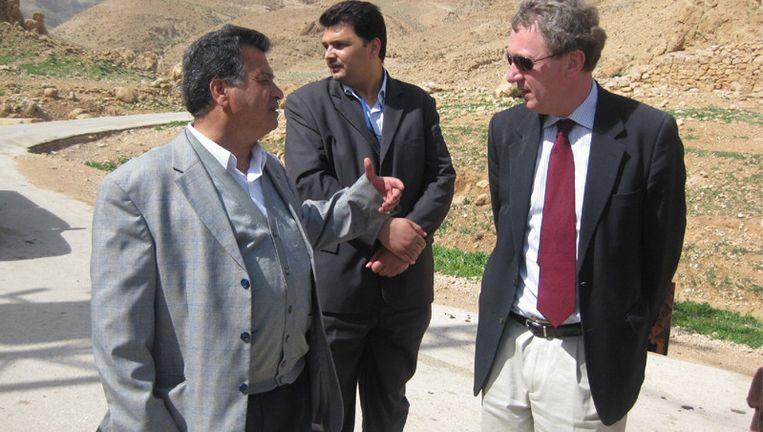 Henk Jan Ormel in gesprek met Ismail Daiq, minister van Landbouw van de Palestijnse Nationale Autoriteit. Beeld