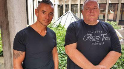 """Twee cipiers zitten jaar na drieste aanval door gevaarlijke kooivechter nog steeds thuis : """"Die glimlach op z'n gezicht vergeten we nooit meer"""""""