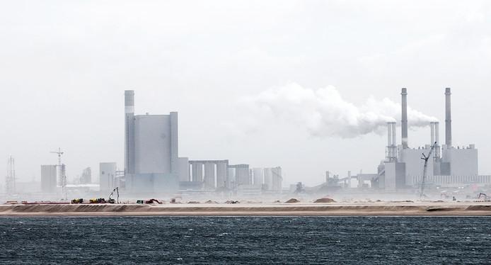 De energiecentrales van Uniper en Engie op de Maasvlakte mogen vanaf 2030 geen kolen meer verstoken.