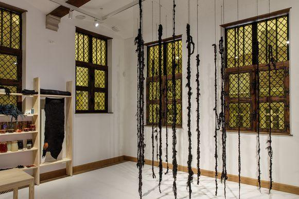 Back to Black in museum Hof van Busleyden in Mechelen.