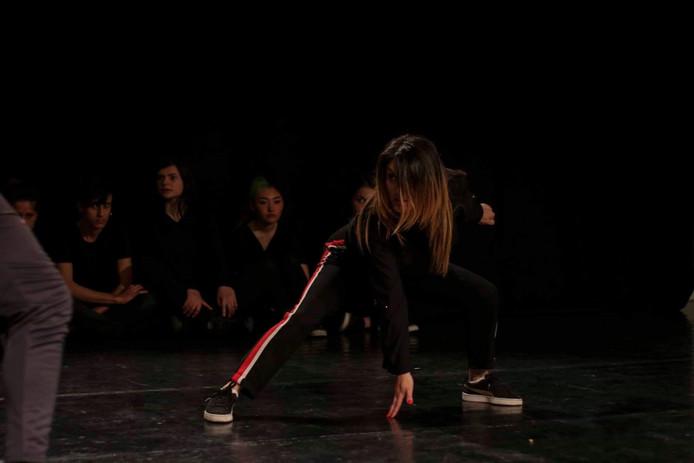 Danseuse autodidacte, Romina a utilisé sa passion pour aider les jeunes filles des quartiers.