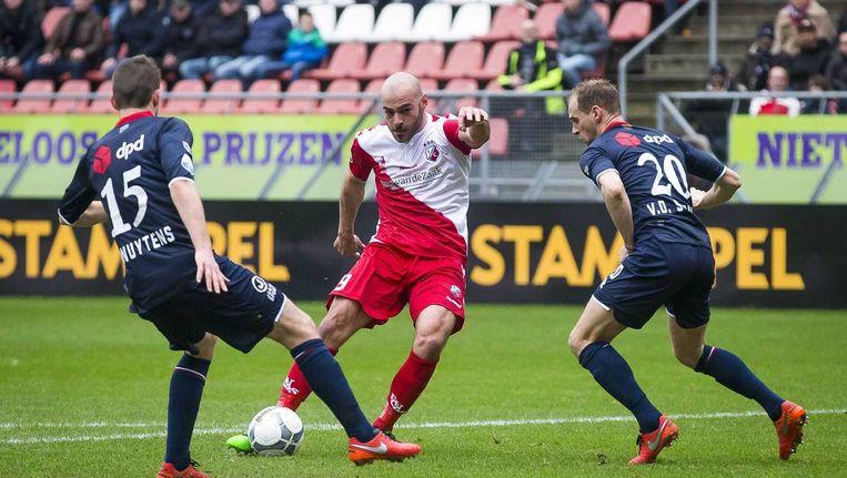 Ruud Boymans (M) scoort de 1-0 voor FC Utrecht. Beeld anp