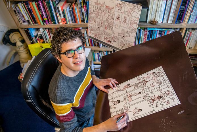 20171205 - Bergen op Zoom - Foto: Tonny Presser/Pix4Profs - De Bergse striptekenaar Wouter Goudswaard heeft de strip Jakob en de Lakenschuilers gemaakt. Dit naar aanleiding van 50 jaar Stichting vrienden van het Markiezenhof.