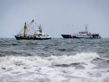 Geen spoor van vermiste Urker bemanningsleden na bijna 12 uur zoeken, morgen geen grote zoekactie