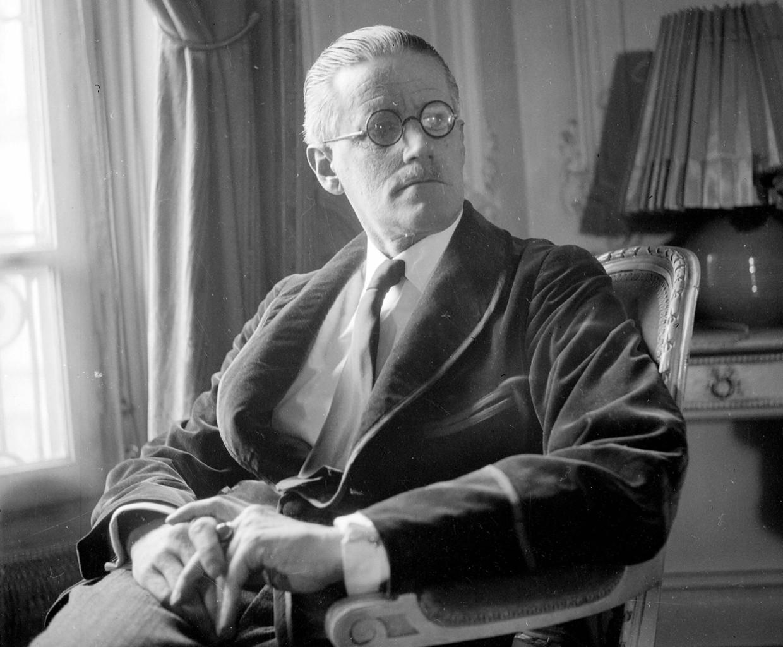 James Joyce (1882-1941).