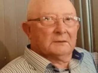 """Politie vraagt hulp aan bevolking in zoektocht naar Carlos (84): """"Ga eens kijken in je tuinhuis of garagebox"""""""