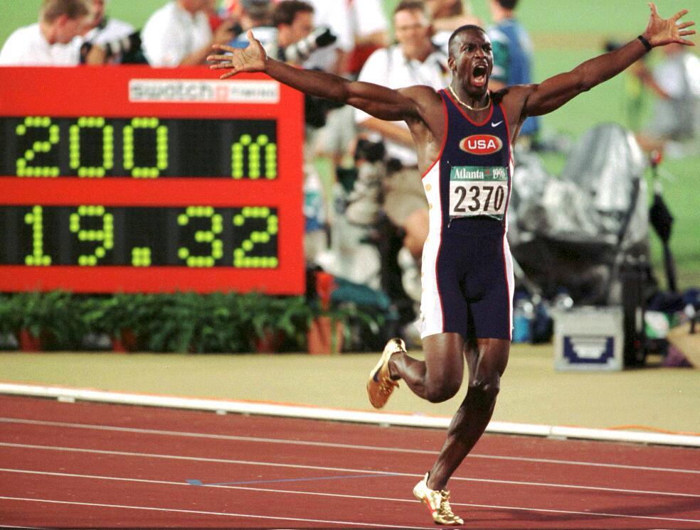 Michael Johnson liep een wereldrecord op de 200 meter tijdens de Olympische Spelen in Atlanta.