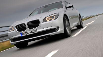 Elektrische fiets en BMW gestolen
