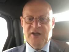Minister Grapperhaus tegen leerlingen uit Enschede: 'We zien elkaar later, hoi!'