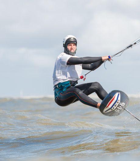 Dordtenaar Evan Kruger is pionier van het kitefoilen: 'Ik ben de beste van Nederland'
