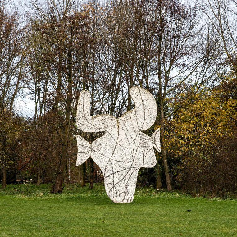 Gravure van Picasso, in het Vondelpark Beeld Carly Wollaert