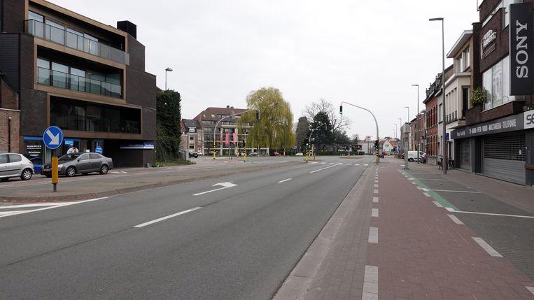 Het kruispunt Brugsepoort. Normaal heel druk, nu verlaten.