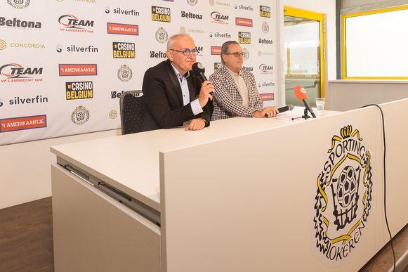 De nieuwe voorzitter Louis De Vries en Sportingwoordvoerder Herman Van de Putte lichten de toekomstplannen van de club toe.
