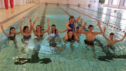 Gehoopt op 400 euro, afgetikt op 2.136 euro: Diabetespatiënte Niena (12) en vriendjes zwemmen baantjes voor Diabetes Liga